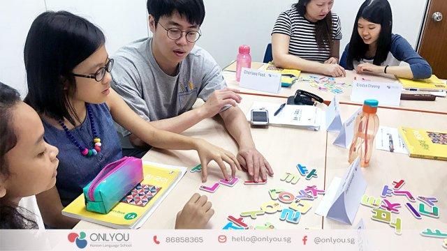 Class activity ay Onlyou Korean Language School Singapore